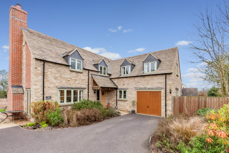 New Yatt Road - Witney